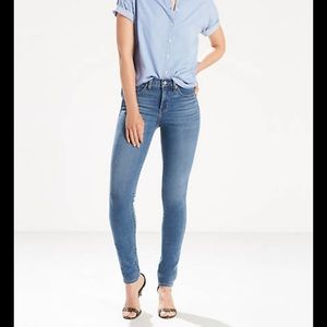 LEVI 311 Shaping Skinny Jean Size 26